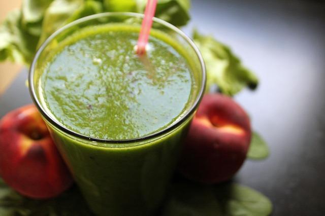 Los zumos detox de aguacate favorecen la limpieza del organismo, aportan energía y ayuda a prevenir enfermedades