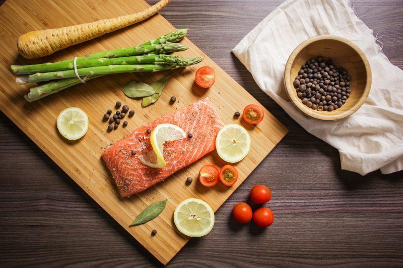 Tartar de salmón ahumado con aguacate